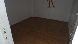 Casa de vanzare cu 7 camere, in zona Centru, Targoviste Dambovita