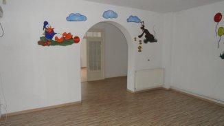 vanzare casa cu 7 camere, zona Centru, orasul Targoviste, suprafata utila 200 mp