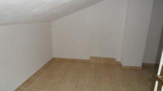 Dambovita Targoviste, zona Centru, casa cu 7 camere de vanzare de la agentie imobiliara