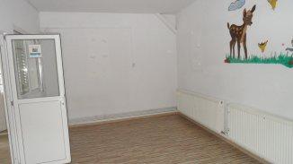vanzare casa de la agentie imobiliara, cu 7 camere, in zona Centru, orasul Targoviste