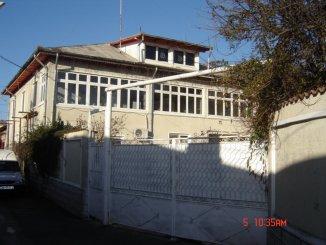 Dambovita Pucioasa, zona Centru, casa cu 7 camere de vanzare de la agentie imobiliara