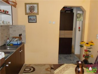 Garsoniera de vanzare, confort 2, zona Micro 9,  Targoviste Dambovita