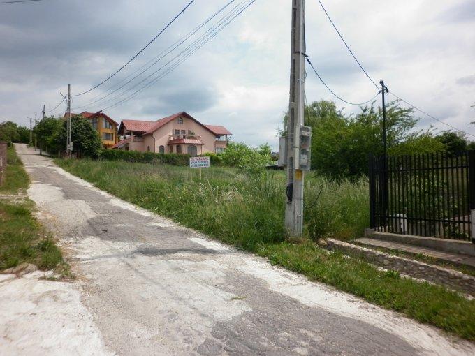 Teren intravilan de vanzare in Valea Voievozilor. Suprafata terenului 1268 metri patrati, deschidere 16 metri. Pret: 31.700 EUR negociabil. Destinatie: Rezidenta.