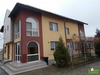 Vila de vanzare cu 1 etaj si 6 camere, in zona Micro 3, Targoviste Dambovita