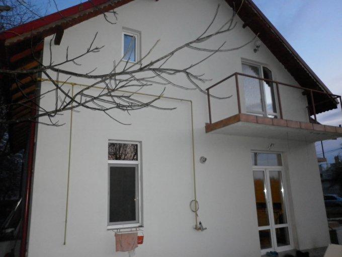 Valea Voievozilor vila cu 5 camere, 1 etaj, 2 grupuri sanitare, cu suprafata utila de 160 mp, suprafata teren 570 mp si deschidere de 11 metri. In localitatea Valea Voievozilor.