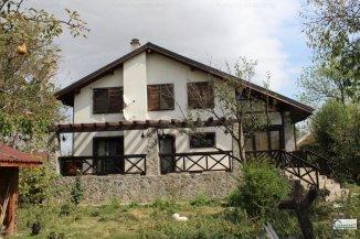 Vila de vanzare cu 1 etaj si 5 camere, in zona Nord, Targoviste Dambovita