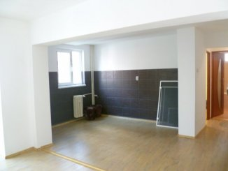Apartament cu 2 camere de vanzare, confort 1, Galati