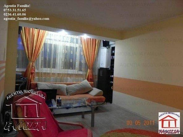 vanzare apartament decomandat, zona Micro 18, orasul Galati, suprafata utila 54 mp