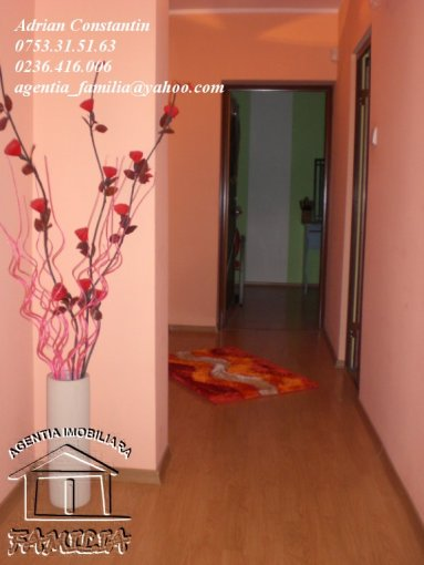Apartament cu 3 camere de vanzare, confort Lux, zona Micro 14,  Galati