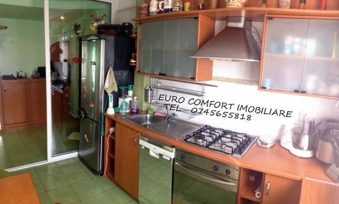 Apartament de vanzare direct de la agentie imobiliara, in Galati, in zona Micro 16, cu 54.900 euro. 1  balcon, 1 grup sanitar, suprafata utila 82 mp.