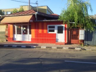 Giurgiu, zona Centru, casa cu 3 camere de vanzare de la proprietar