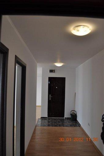 agentie imobiliara vand apartament decomandat, in zona Abator, orasul Targu Jiu