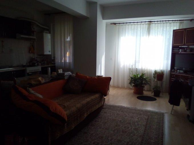 Apartament de inchiriat in Iasi cu 2 camere, cu 1 grup sanitar, suprafata utila 59 mp. Pret: 285 euro negociabil. Usa intrare: Metal. Mobilat modern.