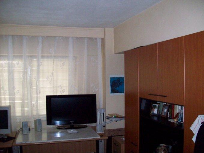 Iasi, zona Centru, apartament cu 3 camere de inchiriat, Mobilat modern