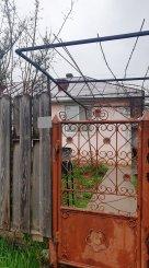 vanzare casa cu 3 camere, comuna Raducaneni, suprafata utila 100 mp