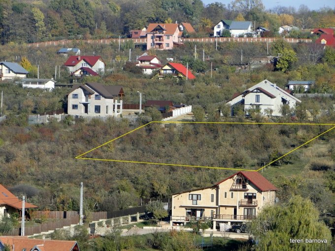 Teren intravilan de vanzare in Iasi, zona Bucium. Suprafata terenului 400 metri patrati, deschidere 20 metri. Pret: 13.300 euro. Destinatie: Rezidenta.