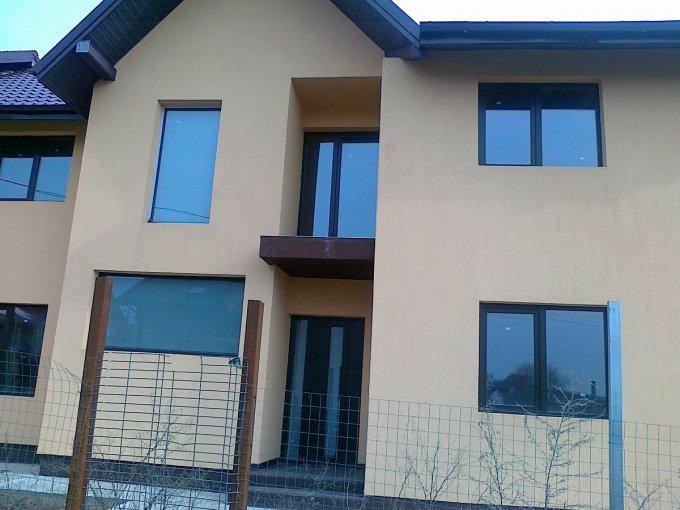 Vila cu 1 etaj, 5 camere, 2 grupuri sanitare, avand suprafata utila 220 mp. Pret: 55.000 euro. agentie imobiliara vanzare Vila.