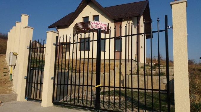 Vila cu 1 etaj, 4 camere, 2 grupuri sanitare, avand suprafata utila 132 mp. Pret: 85.000 euro. proprietar vanzare Vila.