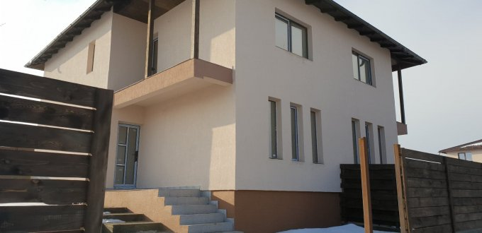 Vila cu 3 camere, 1 etaj, cu suprafata utila de 90 mp, 2 grupuri sanitare, 2  balcoane. 57.000 euro. Destinatie: Rezidenta, Birou, Comercial, Vacanta. Vila Horpaz Iasi