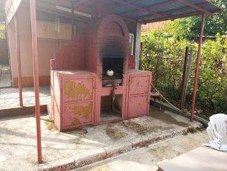 vanzare vila de la agentie imobiliara, cu 1 etaj, 5 camere, in zona Miroslava, orasul Iasi