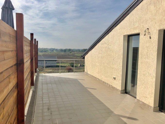 Apartament de vanzare direct de la agentie imobiliara, in Magurele, in zona Centru, cu 54.000 euro. 1  balcon, 1 grup sanitar, suprafata utila 91 mp.