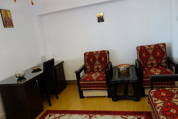 Apartament de inchiriat direct de la proprietar, in Otopeni, cu 350 euro. 1 grup sanitar, suprafata utila 60 mp.