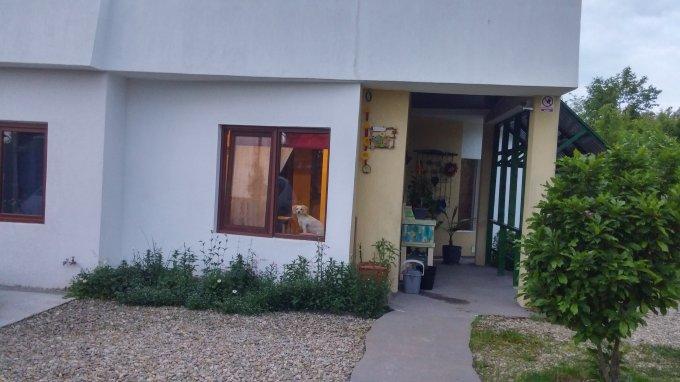 Casa de vanzare direct de la proprietar, in Balotesti, cu 80.000 euro negociabil. 2  balcoane, 2 grupuri sanitare, suprafata utila 76 mp. Are  3 camere.