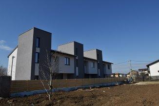 proprietar vand Casa cu 4 camere, zona Centru, orasul Magurele