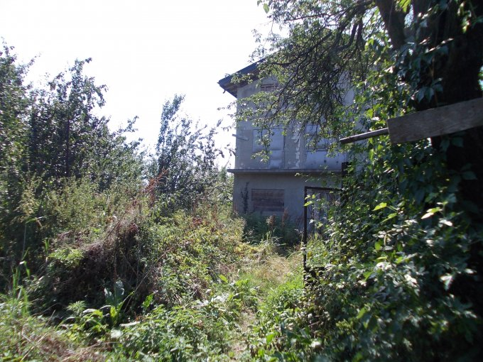 vanzare Casa Balotesti cu 7 camere, 3 grupuri sanitare, avand suprafata utila 500 mp. Pret: 90.000 euro. agentie imobiliara vand Casa.