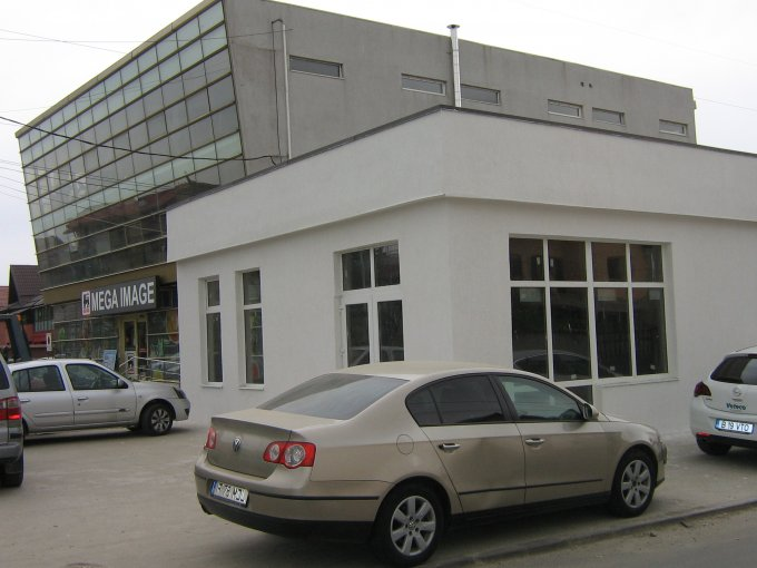 Centru Pantelimon Spatiu comercial de inchiriat, cu 1 grup sanitar, suprafata 202 mp. Pret:  EUR negociabil.