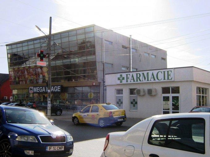 Centru Pantelimon Spatiu comercial de inchiriat cu 1 incapere, cu 1 grup sanitar, suprafata 52 mp. Pret: 550 euro.  Vitrina: latime 7 metri, inaltime 2.8 metri.