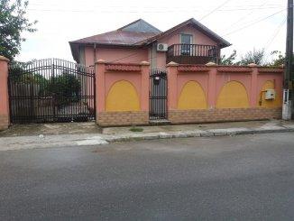proprietar vand Vila cu 1 etaj, 9 camere, localitatea Dragomiresti Deal