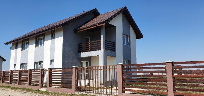 Vila cu 1 etaj, 4 camere, 2 grupuri sanitare, avand suprafata utila 120 mp. Pret: 62.000 euro. Incalzire: Centrala proprie a locuintei. agentie imobiliara vanzare Vila.