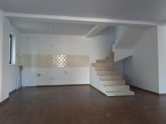 Vila de vanzare cu 2 etaje si 4 camere, in zona Est, Pantelimon Ilfov