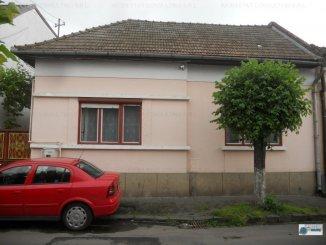 vanzare casa de la agentie imobiliara, cu 2 camere, in zona Piata Armatei, orasul Targu Mures