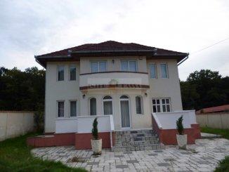 agentie imobiliara vand Casa cu 3 camere, comuna Corunca