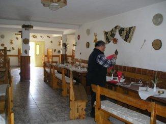vanzare vila de la proprietar, cu 1 etaj, 12 camere, in zona Vest, orasul Sighisoara