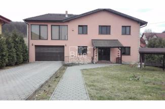 Vila de vanzare cu 2 etaje si 6 camere, Livezeni Mures