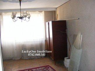 vanzare apartament cu 3 camere, semidecomandat, in zona Maratei, orasul Piatra Neamt