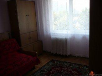 inchiriere apartament cu 3 camere, decomandata, in zona Central, orasul Piatra Neamt
