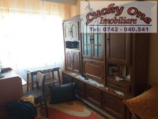 vanzare apartament cu 3 camere, nedecomandat, in zona Maratei, orasul Piatra Neamt