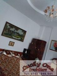 vanzare casa cu 2 camere, zona Centru, orasul Piatra Neamt, suprafata utila 77 mp
