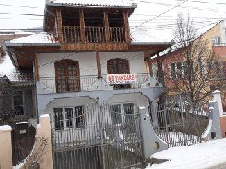 Casa de vanzare cu 5 camere, Piatra Neamt Neamt