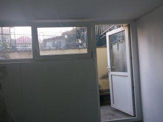 Neamt Piatra Neamt, zona Centru, Spatiu comercial cu 2 incaperi, de vanzare de la agentie imobiliara