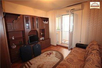 agentie imobiliara vand apartament decomandat, in zona Ultracentral, orasul Slatina