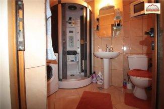 vanzare apartament decomandat, zona Ultracentral, orasul Slatina, suprafata utila 66 mp