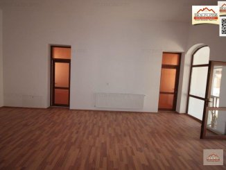 Casa de vanzare cu 16 camere, in zona Orasul Vechi, Slatina Olt