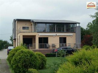 Casa de vanzare cu 7 camere, in zona Clociov, Slatina Olt