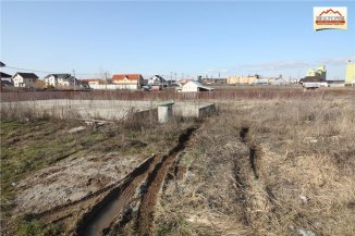 vanzare teren intravilan de la agentie imobiliara cu suprafata de 300 mp, in zona Periferie, orasul Slatina