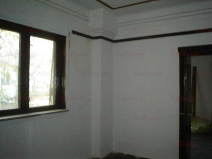 Apartament inchiriere Ploiesti 2 camere, suprafata utila 90 mp, 1 grup sanitar. 200 euro. Etajul 1 / 2. Apartament Ultracentral Ploiesti  Prahova